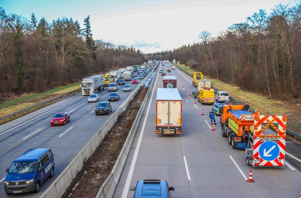 Keine Rettungsgasse Gebildet Polizei Fordert 23 000 Euro Bußgeld
