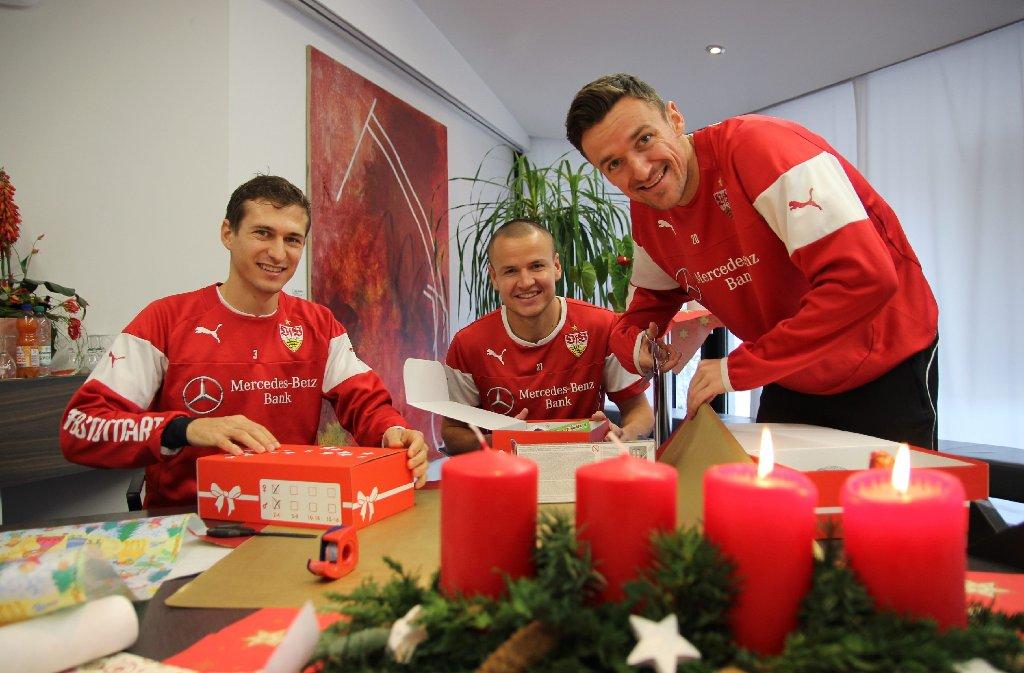 VfB-Kooperation mit Daimler: Spieler machen Weihnachtsgeschenke ...