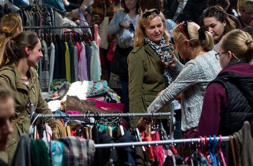 Treffpunkt Rotebühlplatz: Kleidertauschbörse