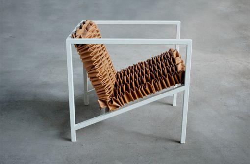 Jule Waibel: Gesamt (Falt) Kunst Werk in der Architekturgalerie am Weißenhof