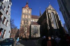1989 arbeitet er als Pastor in Rostock. Foto: dpa-Zentralbild