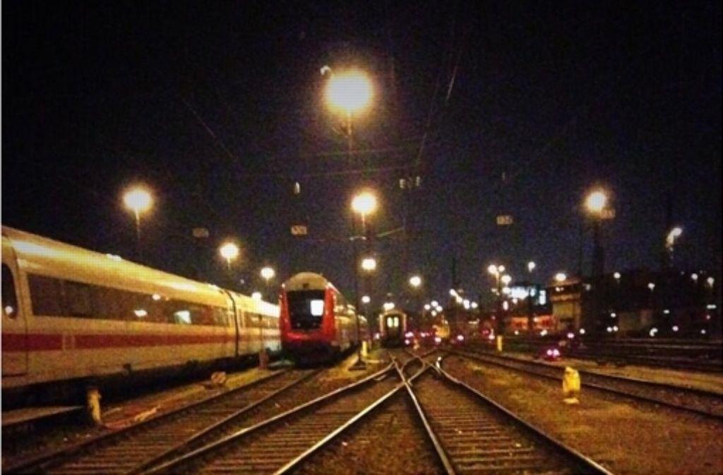 Stuttgarter schl ft in zug ein hilfe twitter ich bin im for Depot feuerbach