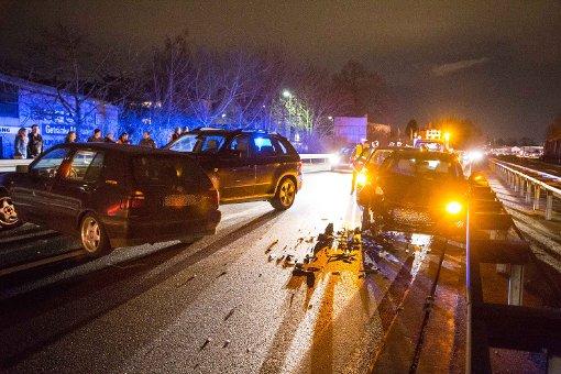 Sechs Autos beteiligt - sieben Verletzte
