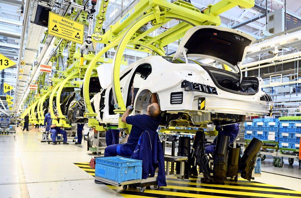hohe nachfrage bei daimler: mercedes schafft mehr als 500 neue jobs