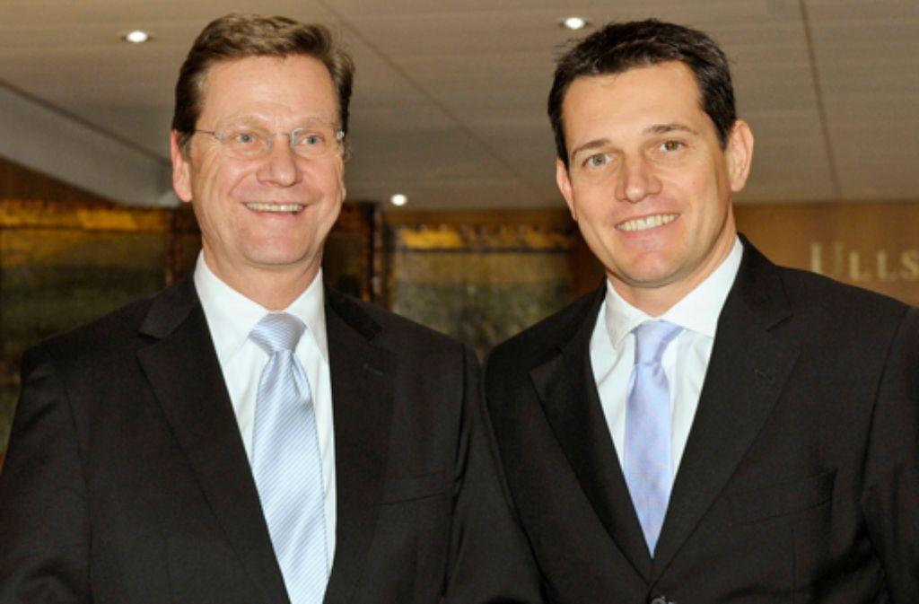 Außenminister Guido Westerwelle Links Und Sein Lebensgefährte