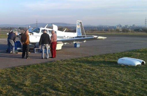 Kleinflugzeug legt Bruchlandung hin