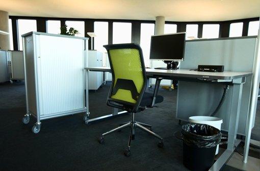 Die neue Schreibtischkultur: Mitarbeiter suchen sich täglich einen neuen Platz. Foto: dapd