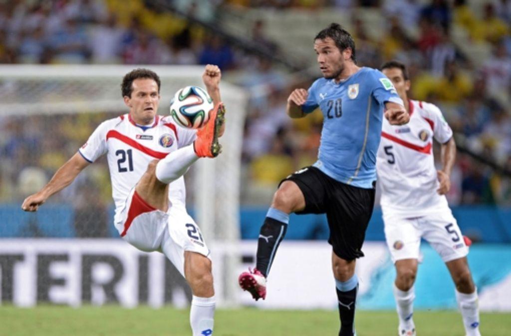 Fußball-WM in Brasilien: Uruguay erleidet böse Schlappe ...