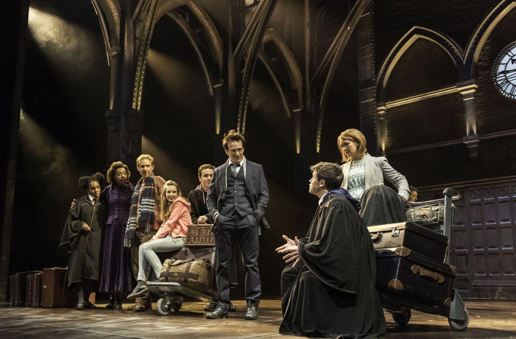 Theaterpremiere In Hamburg Harry Potter Zaubert In Deutschland Panorama Stuttgarter Zeitung