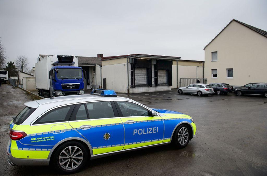 mcdonald s lieferant aus tauberbischofsheim probeschlachtung im skandal schlachthof baden. Black Bedroom Furniture Sets. Home Design Ideas