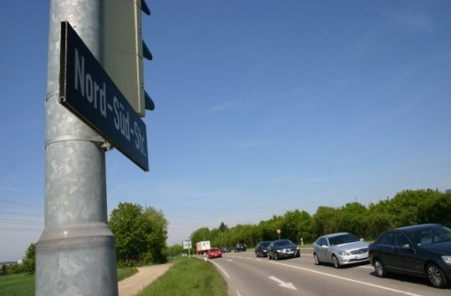 Autofahrer durchkreuzen Kreuzungsregeln