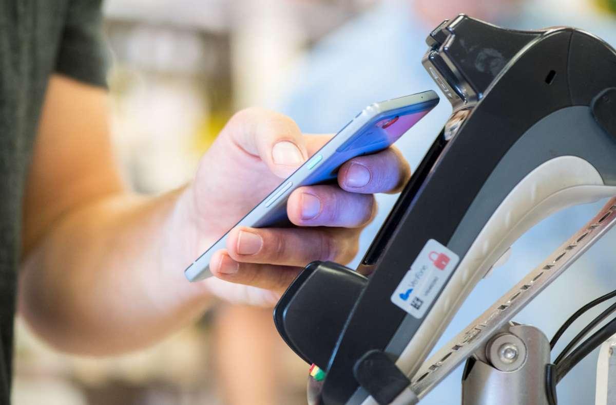 Elektronisches Bezahlen mit Karte, Handy und Co.