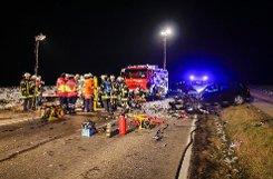 Ein Überholvorgang in einer Kurve endet auf der Landesstraße 1115 dramatisch: Der Unfallverursacher und eine Frau werden bei einem Unfall bei Besigheim schwer verletzt.  Foto: www.7aktuell.de/Schmalz