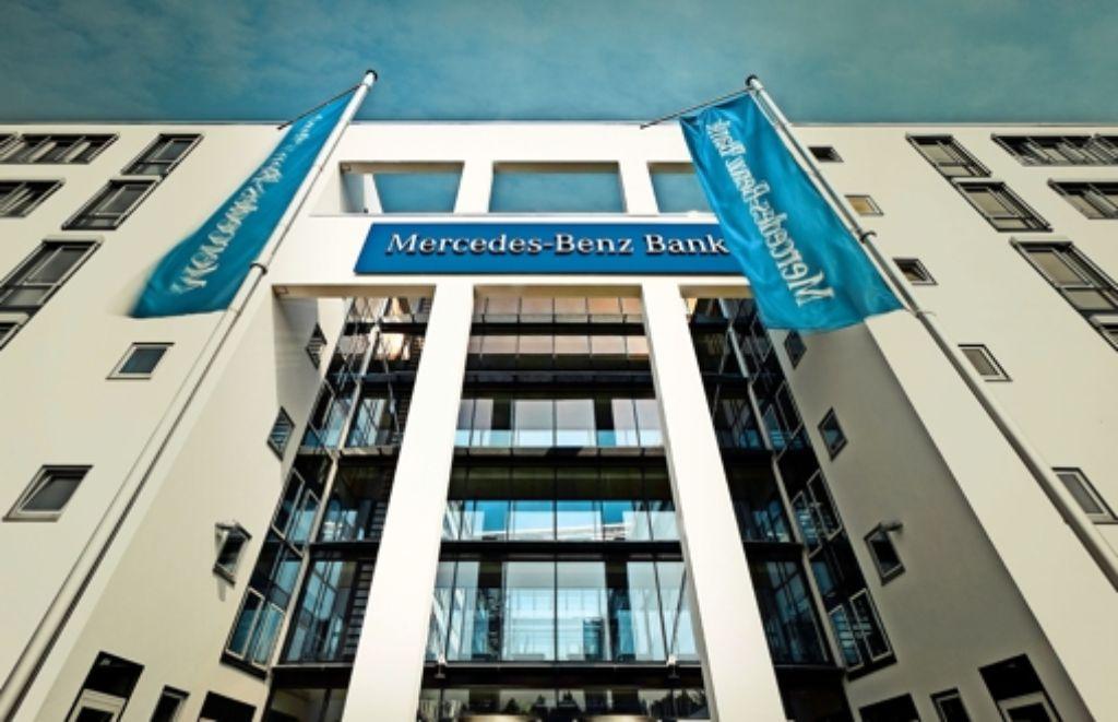 stuttgarter autobank: mercedes-benz bank baut neugeschäft aus