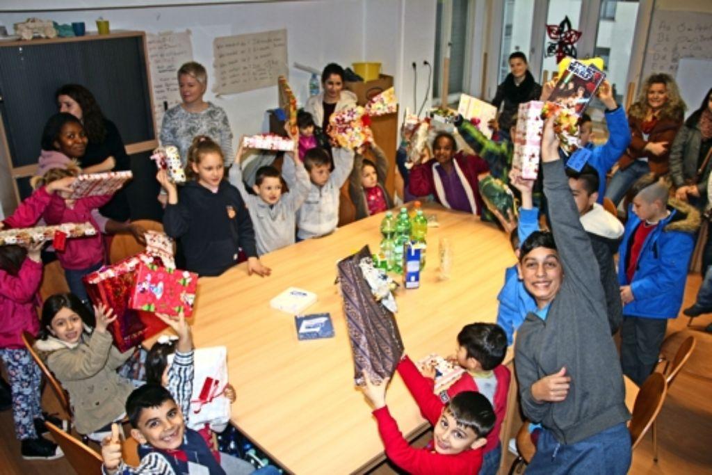 Flüchtlinge: Vorweihnachtliche Gaben - Zuffenhausen - Stuttgarter ...