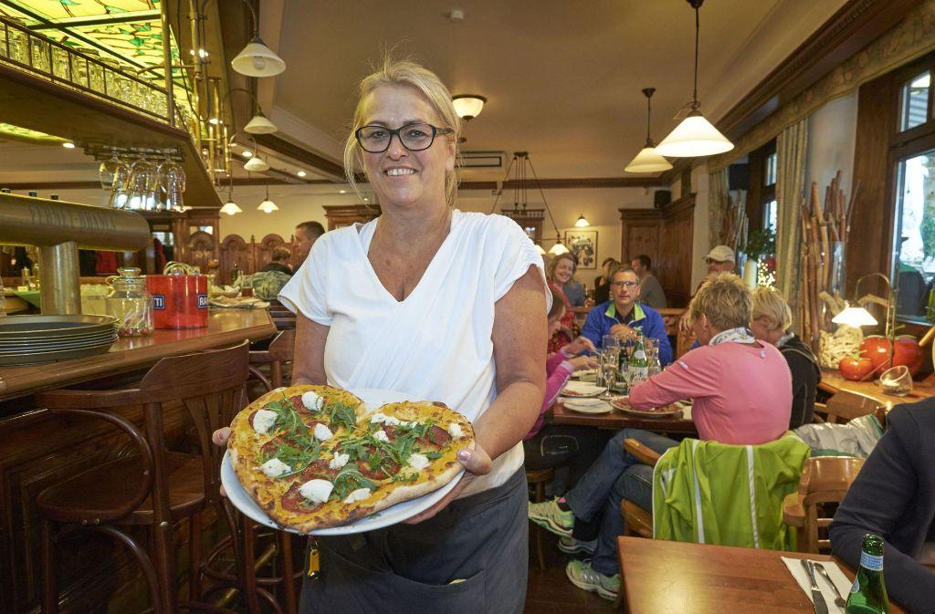 7fcbab6ccbc05 Petra Reim vom Il Pomodoro am Wilhelmsplatz freut sich über die Anerkennung  der Gäste. Foto