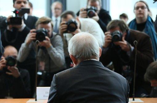 Das Medieninteresse beim Auftritt Wolfgang Schäubles ist groß. Foto: dpa