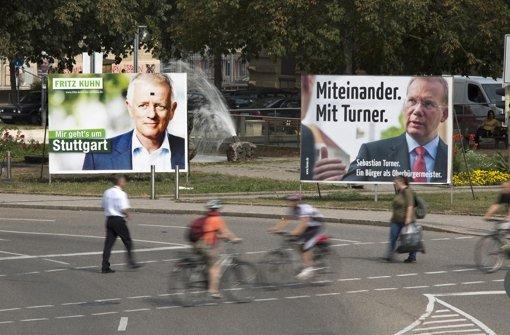 Laut einer repräsentativen StZ-Umfrage  vereinigt Fritz Kuhn (Grüne) 31 Prozent der Stimmen auf sich. Sebastian Turner, der von CDU, FDP und Freien Wählern unterstützt wird, liegt mit 28 Prozent knapp dahinter an zweiter Stelle. Foto: Steinert