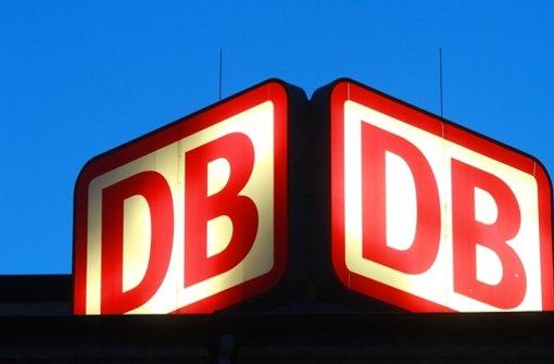 Auf Facebook können Kunden mit der Bahn einfach in Kontakt treten. Foto: dpa