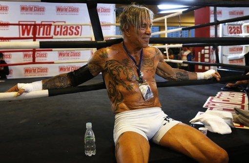 Ex-Hollywood-Star boxt in Moskau