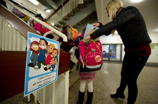 Schulen verbannen  Glucken-Eltern