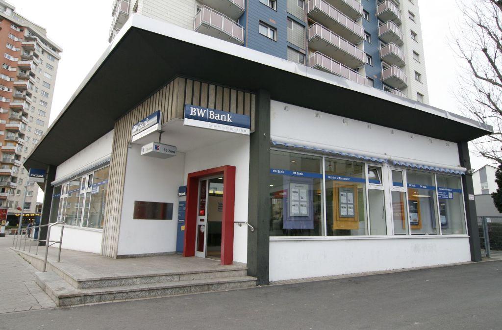 Bw Bank Filiale In Stuttgart Rot Herzlich Willkommen Aber Nur