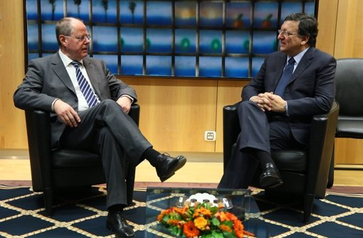 Peer Steinbrück im Gespräch mit José Manuel Barroso. Foto: EPA